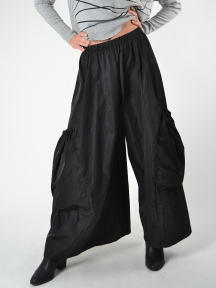 Big Pocket Pant by Planet