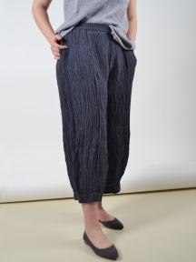 Crinkled Trousers by Grizas