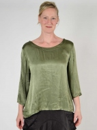 Simple Blouse by Inizio